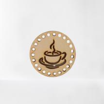 Gőzölgő kávé horgolható fa alap