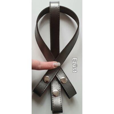 50 cm hosszú, szintetikus bőrből készült patentos táskafül - ezüst -